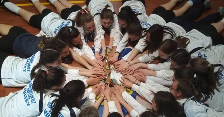 Τι κερδίζουν τα παιδιά από τα ομαδικά αθλήματα
