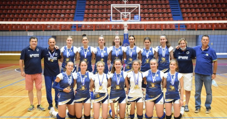Πρωταθλήτριες και οι Νεάνιδες volley του Φιλαθλητικού Λάρισας. (Φώτο)